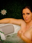VIRGIN EXP. JACUZZI PRIVE ESCORT