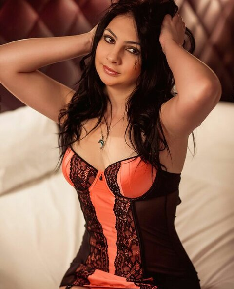 Sweet girl from Prague...come to be a lucky man